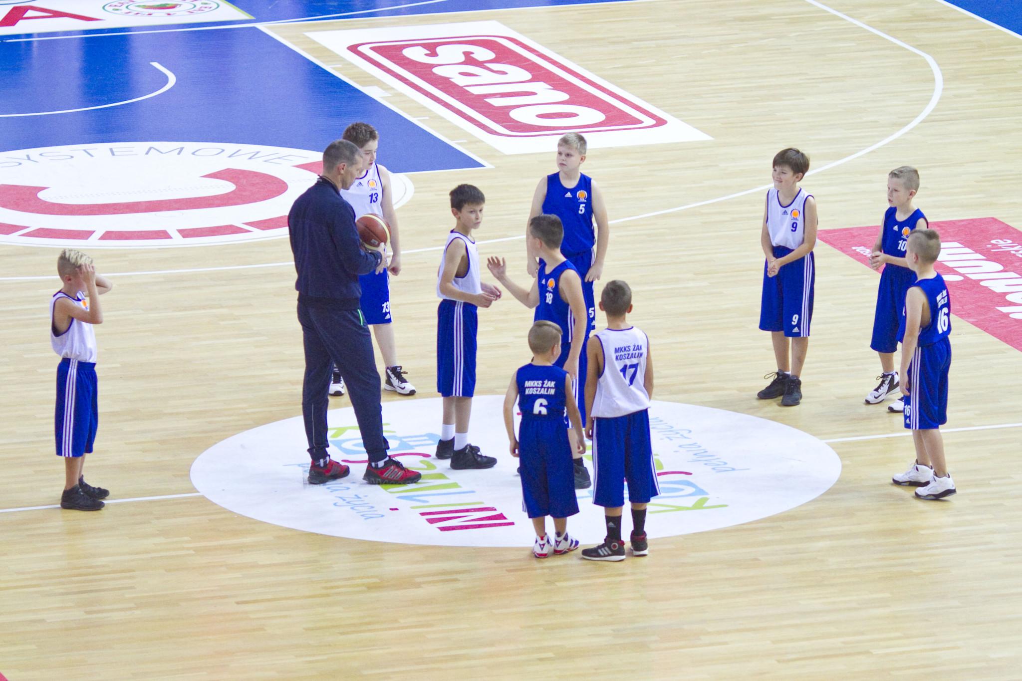 Działania takie jak współpraca z trenerami grup młodzieżowych pokazuje nowy kierunek przyjęty przez kierownictwo klubu.