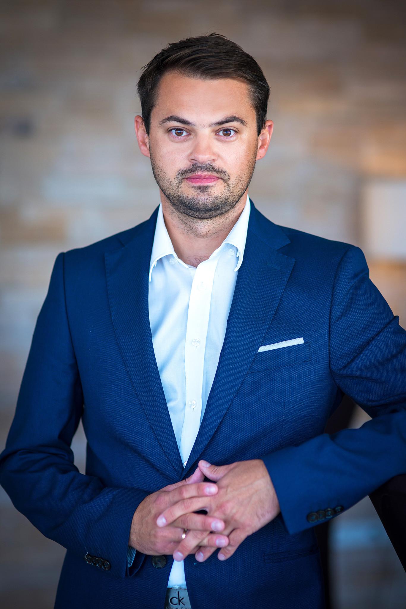 Cezary Kulesza - Kierownik ds. markeitngu i sprzedaży Firmus Group