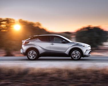 large_2016_Toyota-CHR_12T_MTE_Dynamic_03