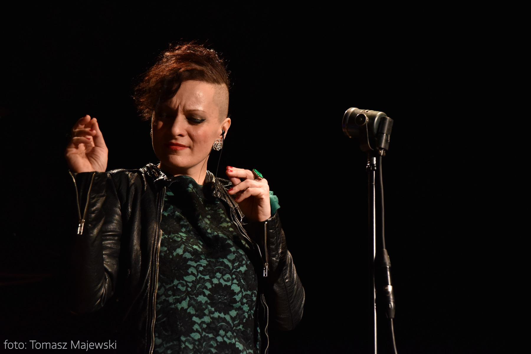Lucy w repertuarze Edith - koncert w studiu nagraniowym Radia Koszalin