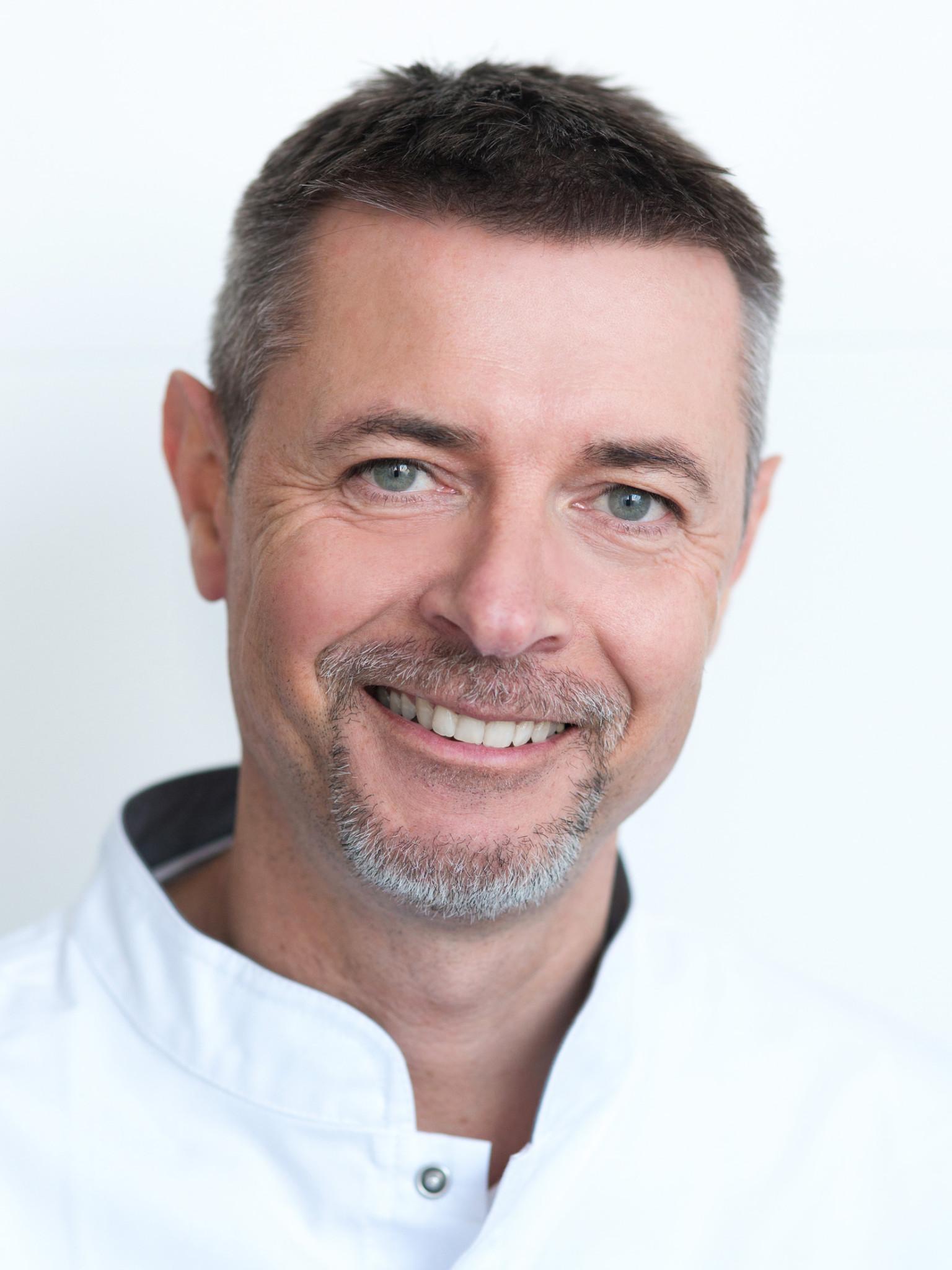 Marcin Chęciński, specjalista urolog, uro-ginekologia estetyczna