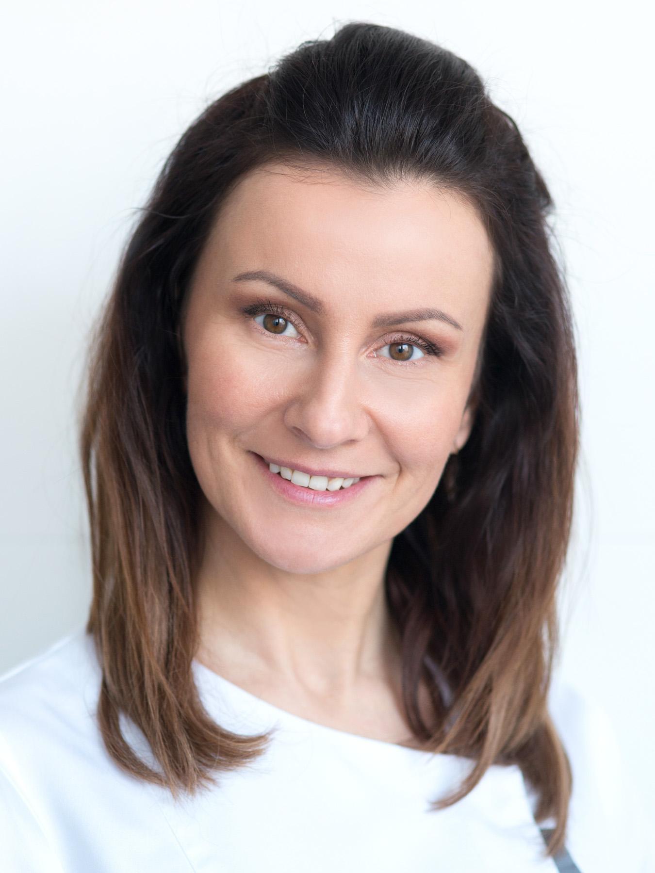 Katarzyna Chrostowska, stomatolog, specjalista medycyny estetycznej
