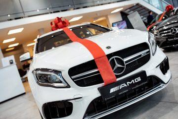Przykładowo – za model Mercedes-Benz GLA 200, miesięczna rata leasingowa w programie Lease&Drive 1% dla przedsiębiorców wynosi 1669 zł netto (przy wpłacie wstępnej 5% wartości, okresie leasingu 36 m-cy i przebiegu rocznym 25 tys. km).