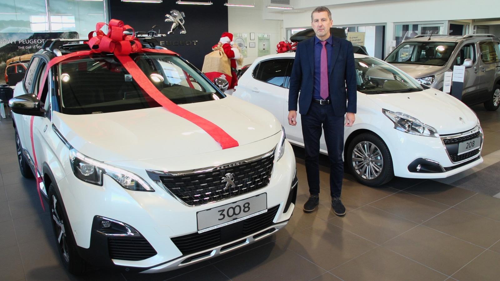 Prezentowany model Peugeot 3008 dostępny jest w miesięcznych ratach netto w ramach leasingu Peugeot Perfect Drive już od 1180 zł (10% wpłaty własnej, 36 miesiącach, przebiegu 20 tys. km na rok).