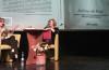 Dr Jolanta Kazimierczyk-Kuncer i moderująca promocyjne spotkanie prof. Bernadetta Żynis