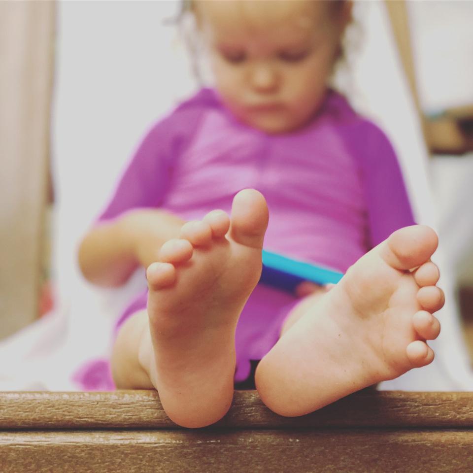 feet-2588730_1920re