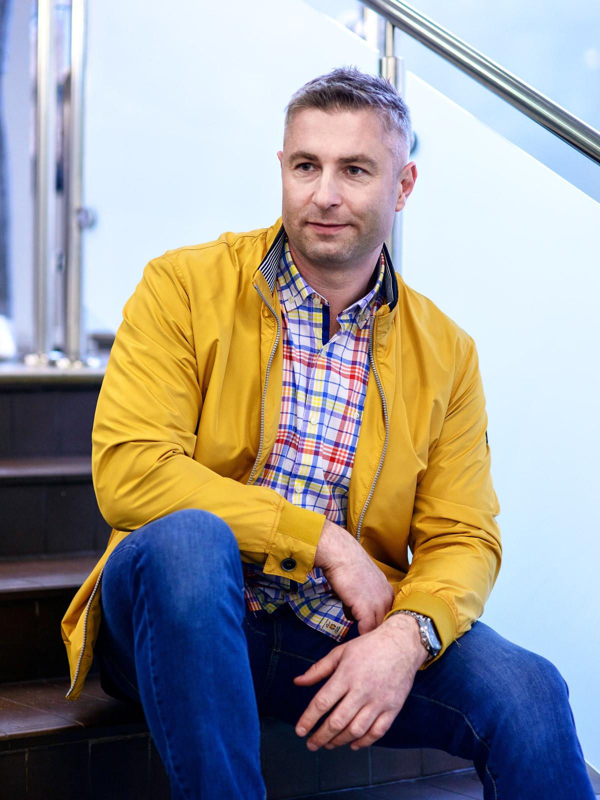 kurtka Jupiter 599 zł koszula Pierre Cardin 199 zł spodnie Pierre Cardin 329 zł |Norbert Koselski