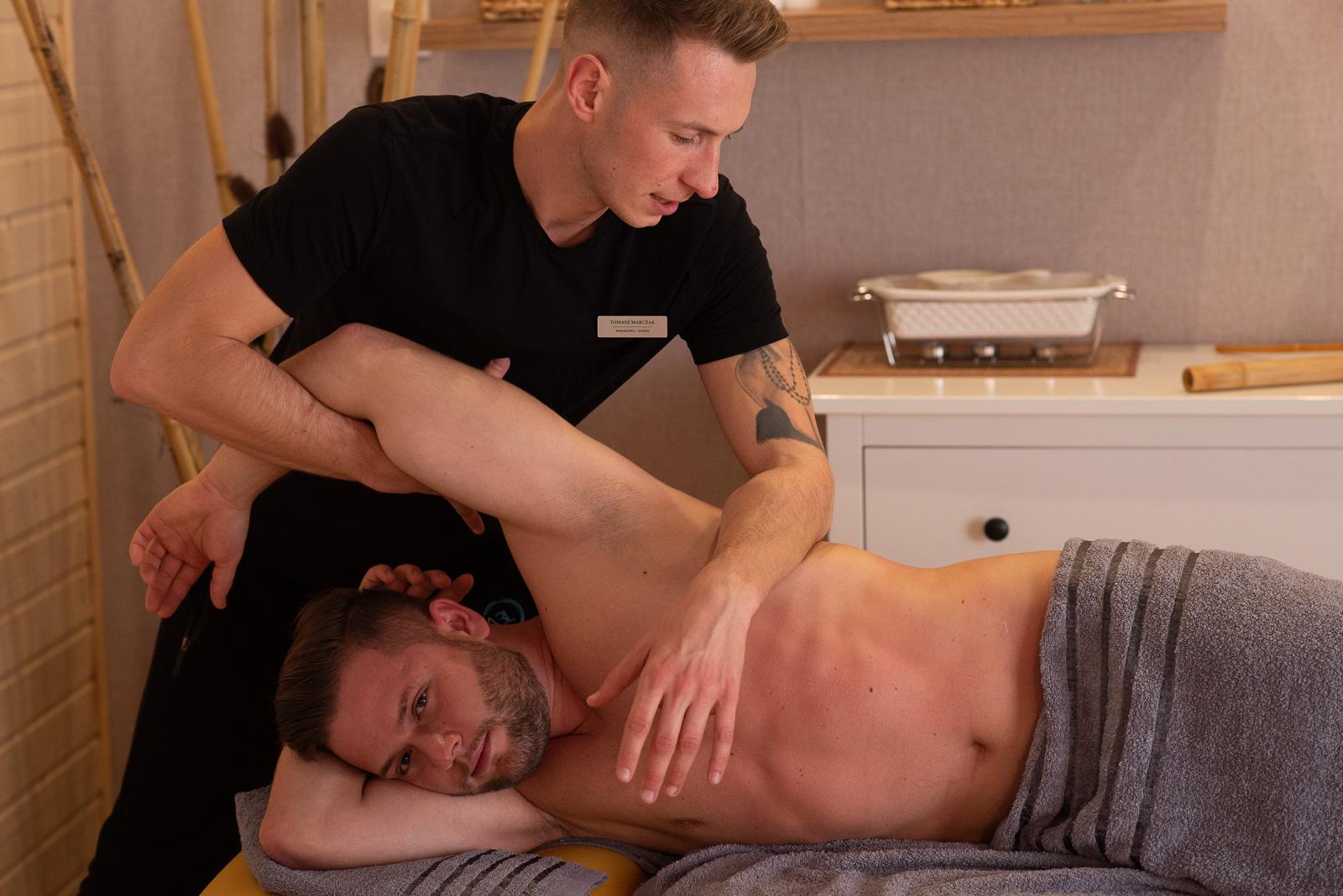 Masaż w Strefie 3L to również terapia manualna skuteczna w walce z dolegliwościami bólowaymi aparatu ruchu