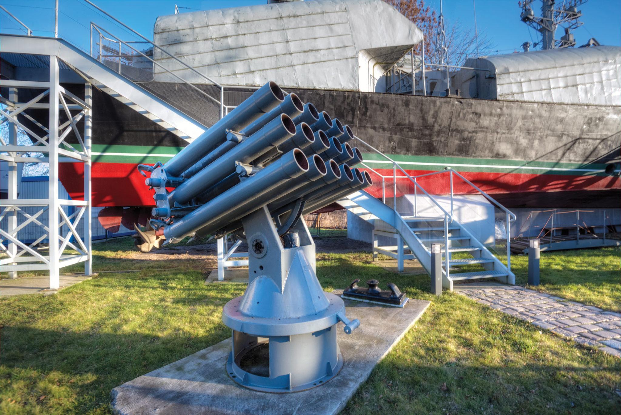 Jeden z ciekawszych eksponatów prezentowanych na wystawie przy ul. Bałtyckiej w Kołobrzegu – polska wyrzutnia rakietowa WM-18 z okresu tzw. zimnej wojny (Fot. A. Rutkowski/Archiwum MOP w Kołobrzegu).