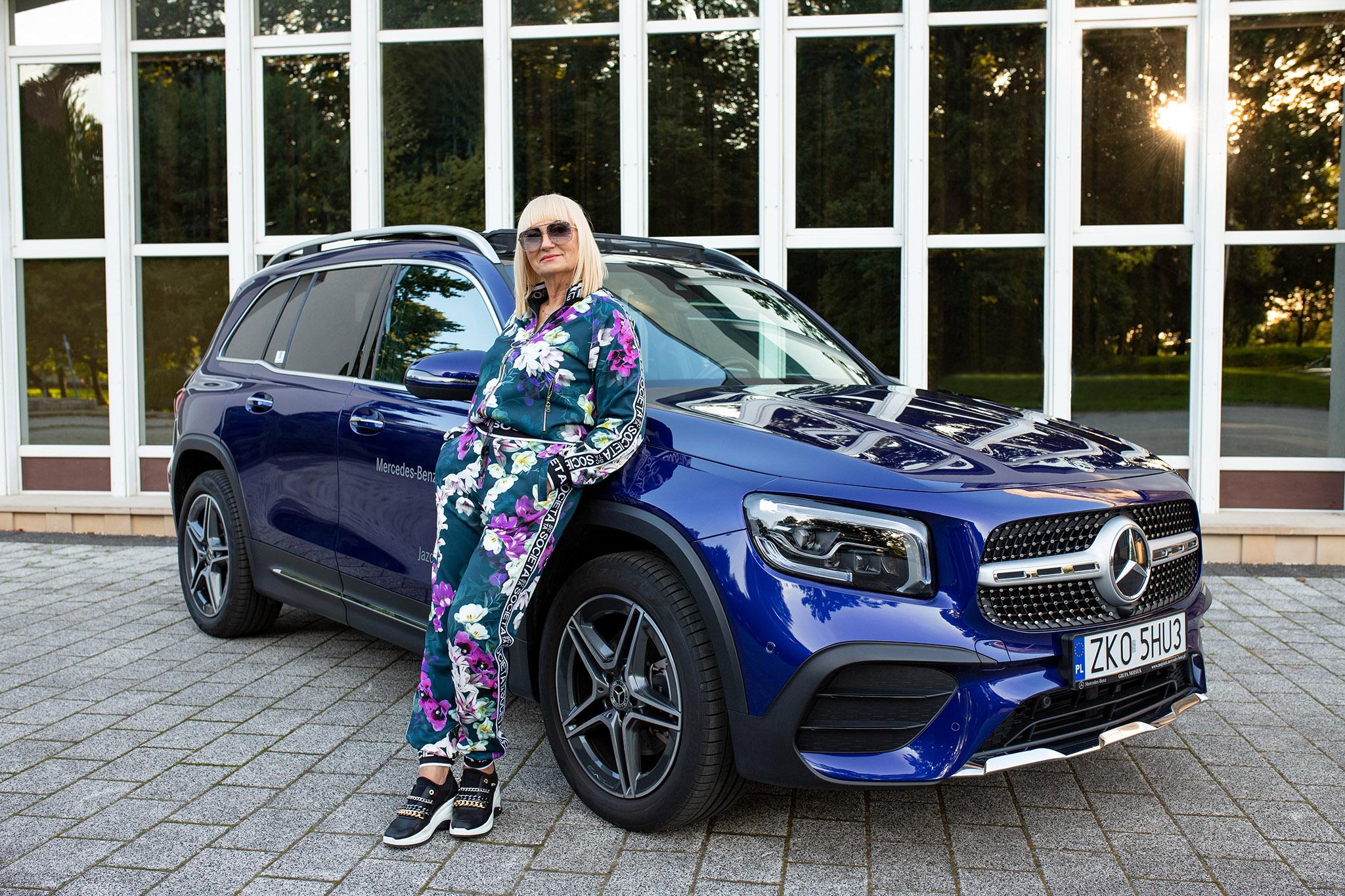 Pani Jolanta Podgórska w dresie marki Societa (cena 550 zł)