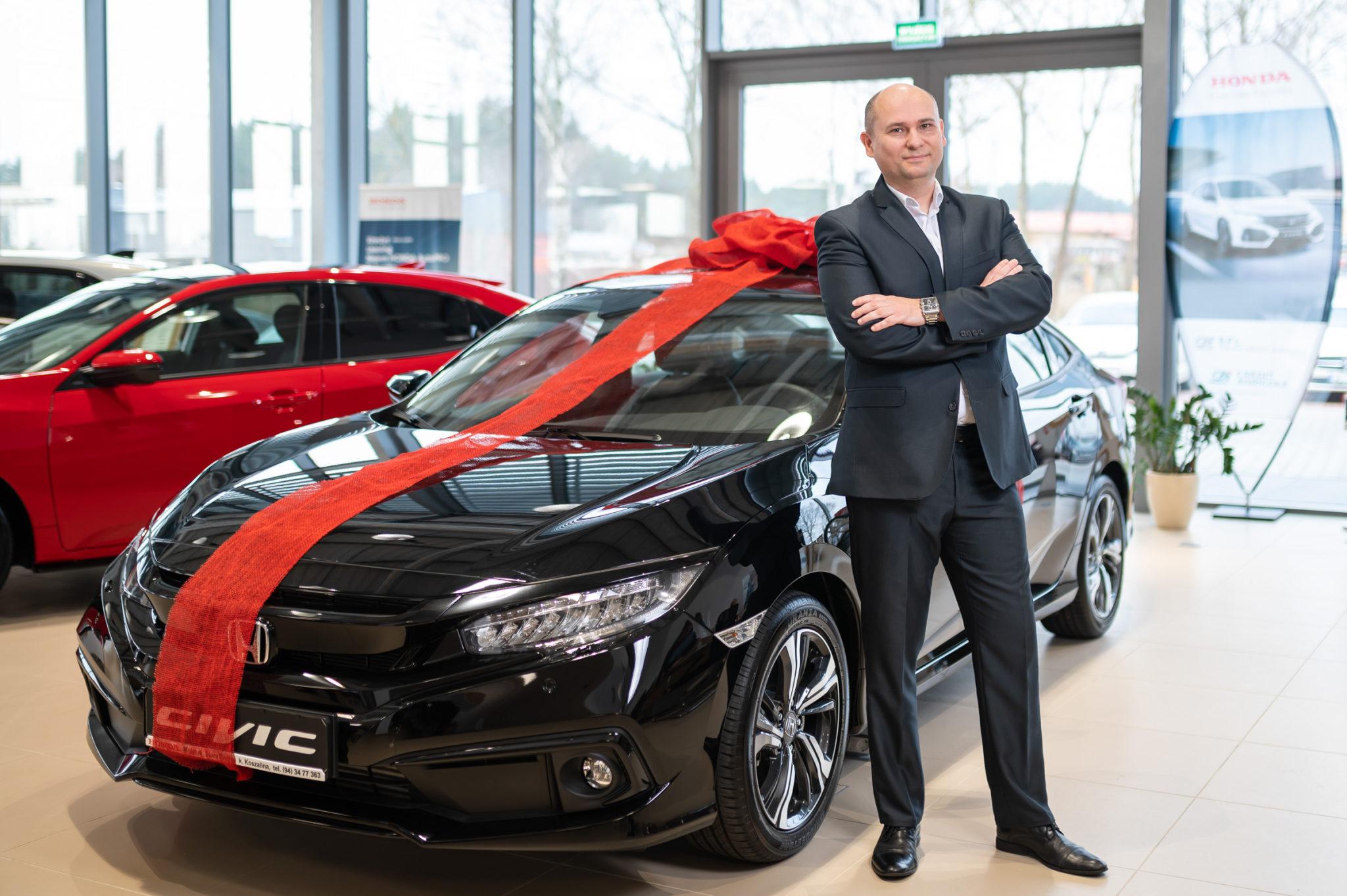Honda Civic, którą w imieniu Świetego Mokołaja rekomenduje Jacek Rachwalski, kierownik salonu_