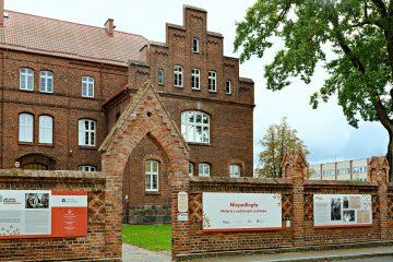 Budynek z wystawą ARN