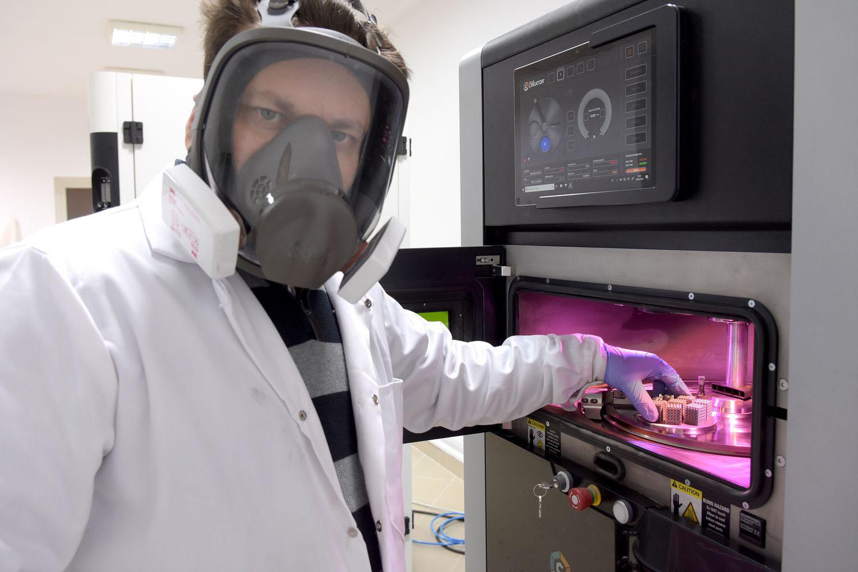 Centrum Szybkiego Prototypowania ma unikalną – w skali regionu – aparaturę pomiarową i technologiczną.